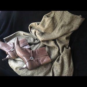 Dresses & Skirts - Brown heavyweight winter skirt